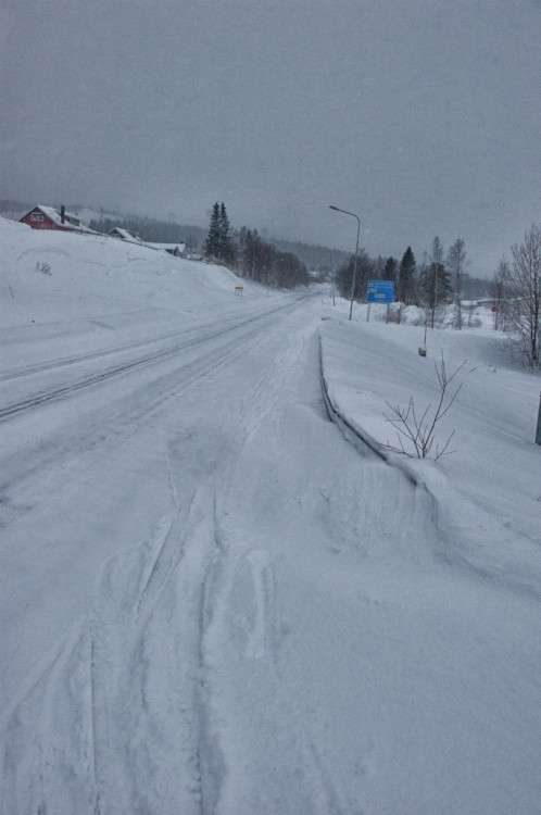 The main road into Porjus.