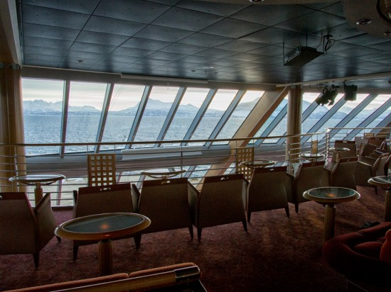 The panorama deck of the MS Midnatsol.