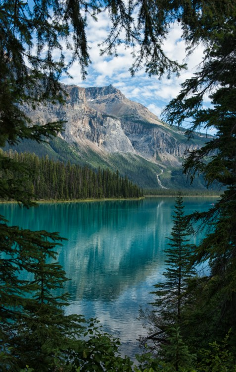 A Peek of Emerald Lake