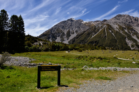 Sign to the Hooker Valley